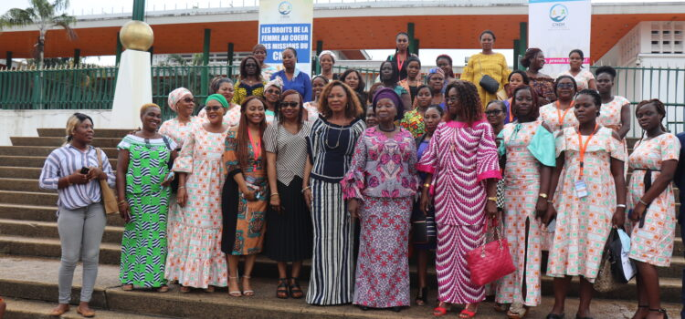 Coaching des femmes candidates : Le CNDH et des femmes candidates en visite au parlement